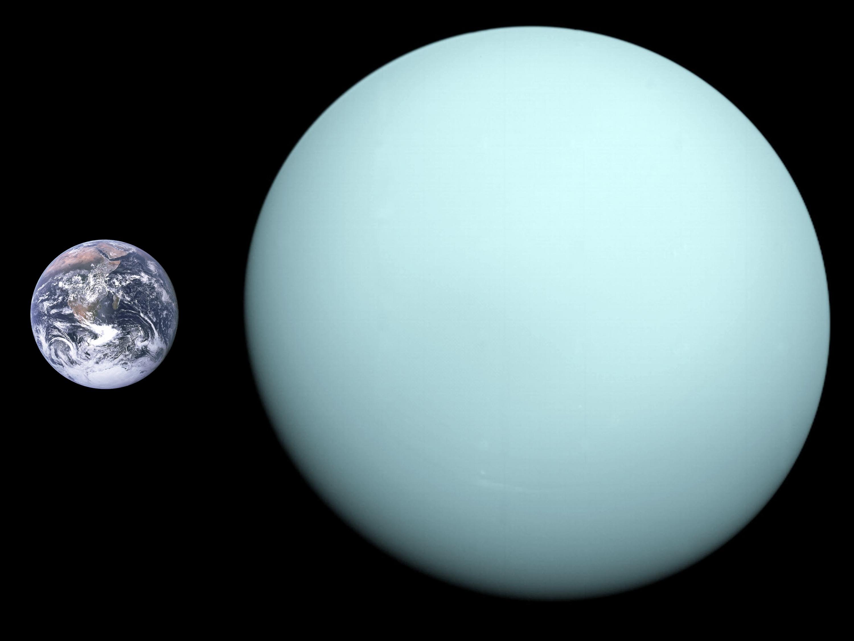 Uranus et Terre à la même échelle