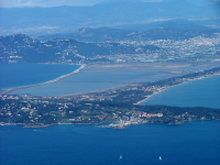 Vue aérienne d'Hyères - Crédit photo : Office de Tourisme d'Hyères