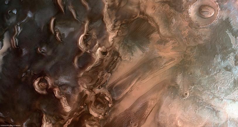 Image du pôle sud de Mars réalisée grâce aux données de Mars Express en janvier 2011. Crédits : ESA.